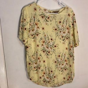 H&M yellow floral blouse 12 large short sleeved